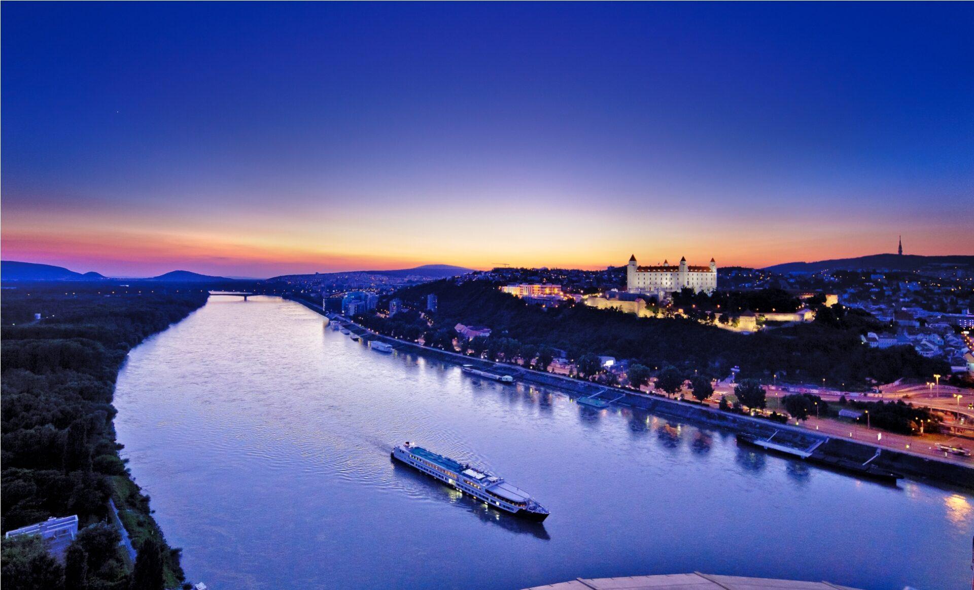 Grand-Hotel-River-Park-Bratislava-Slovakia-danube-travel-hotel-Snímek