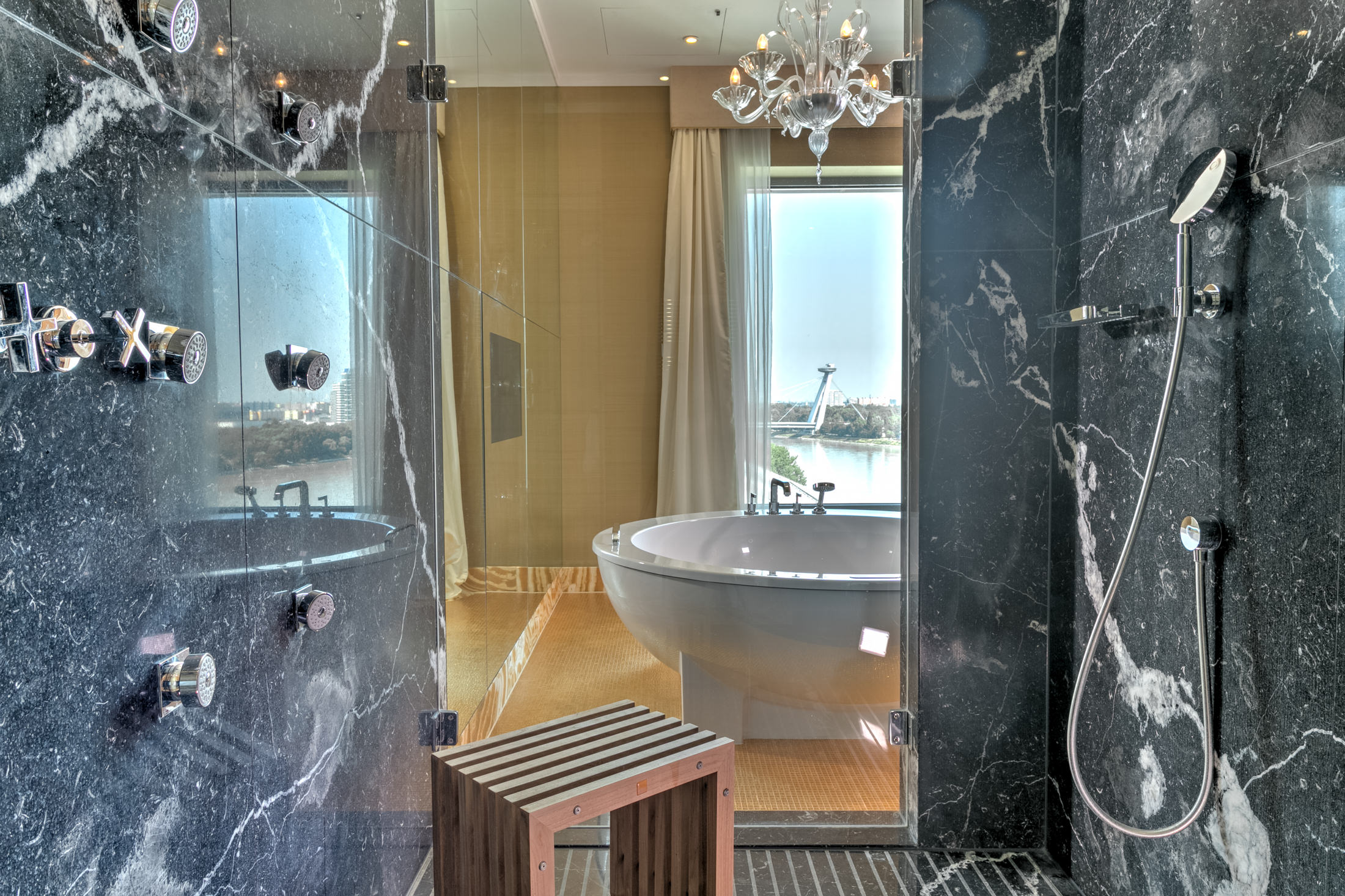 Grand-Hotel-River-Park-Bratislava-Slovakia-danube-travel-hotel-Snímek-Room