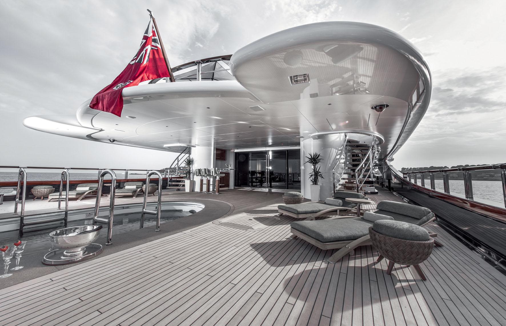 SuperyachtLife-On-The-High-Seas-Tony-Harris-Fort-Lauderdale-Venice-Magazine-2