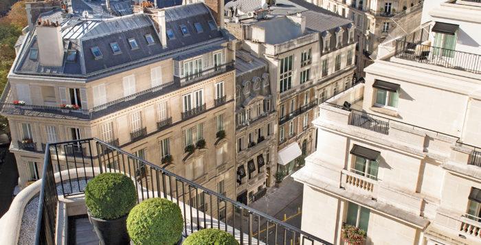 Paris-When-It-Sizzles-Venice-Elyssa-Goodman-Fashion-Food-Caviar-Four-Seasons
