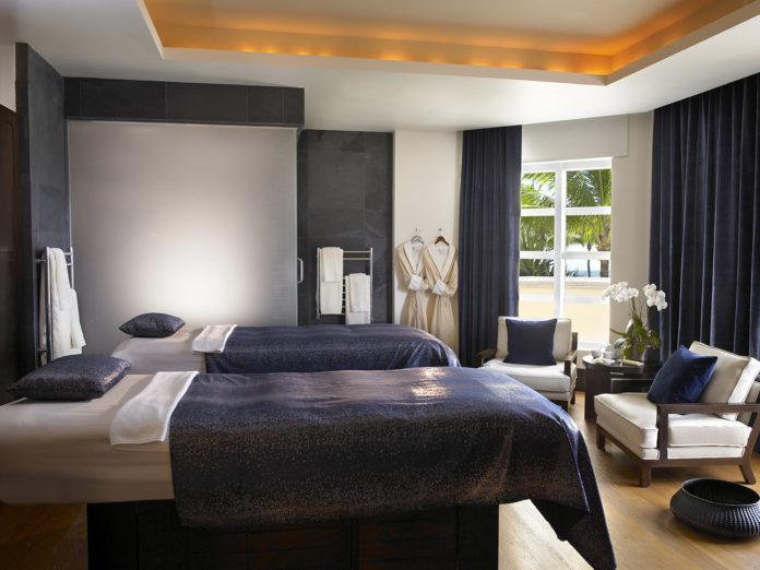 Acqualina-Resort-spa-sunny-isle-florida-wellness-espa-venice-magazine-royal-spa-suite-treatment-room-fendi-casa-nila-do-simon
