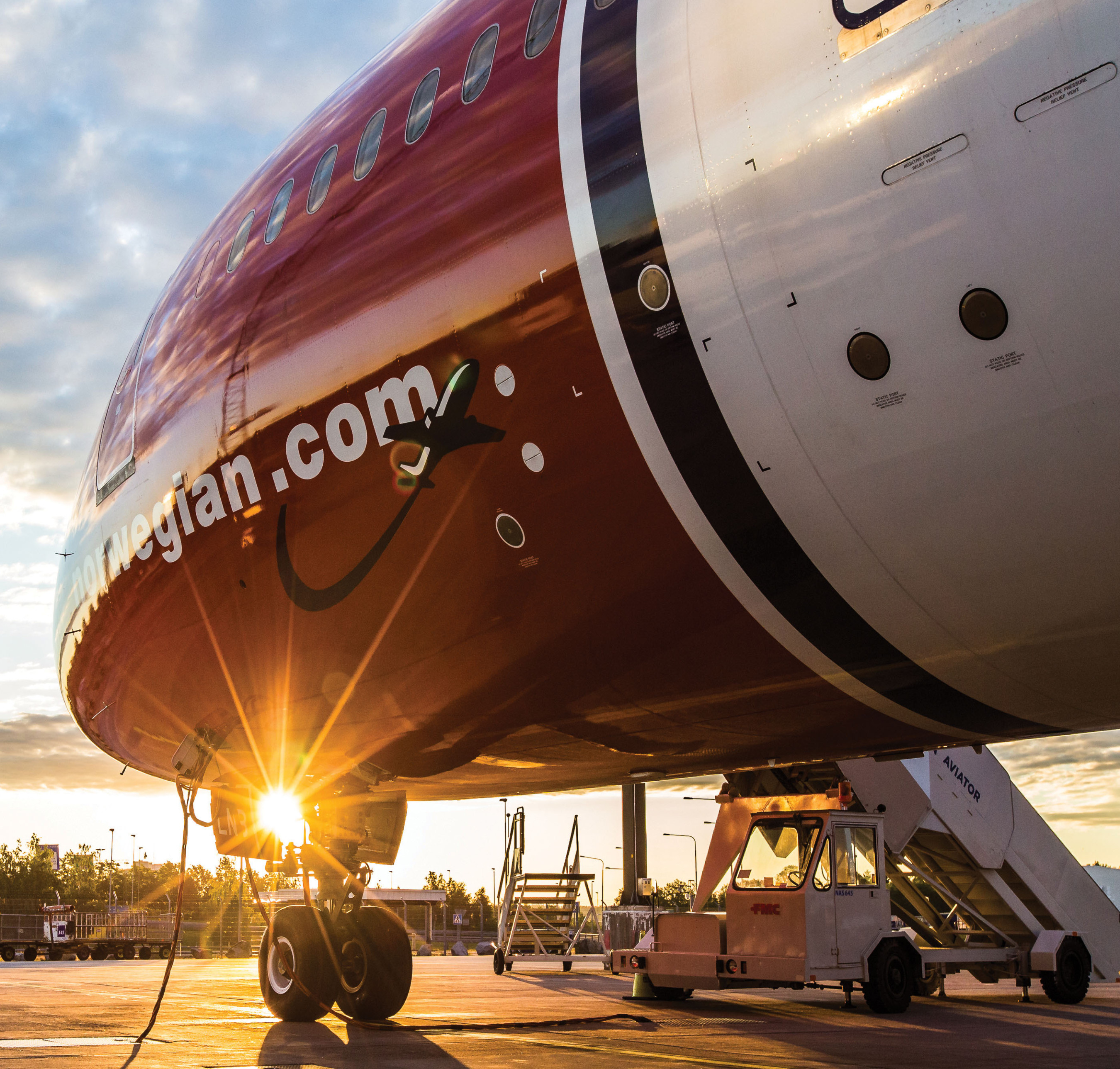 Norwegian-Airlines-Bank-On-It-London-Nil-Do-Simon-Fort-Lauderdale-Venice-Magazine