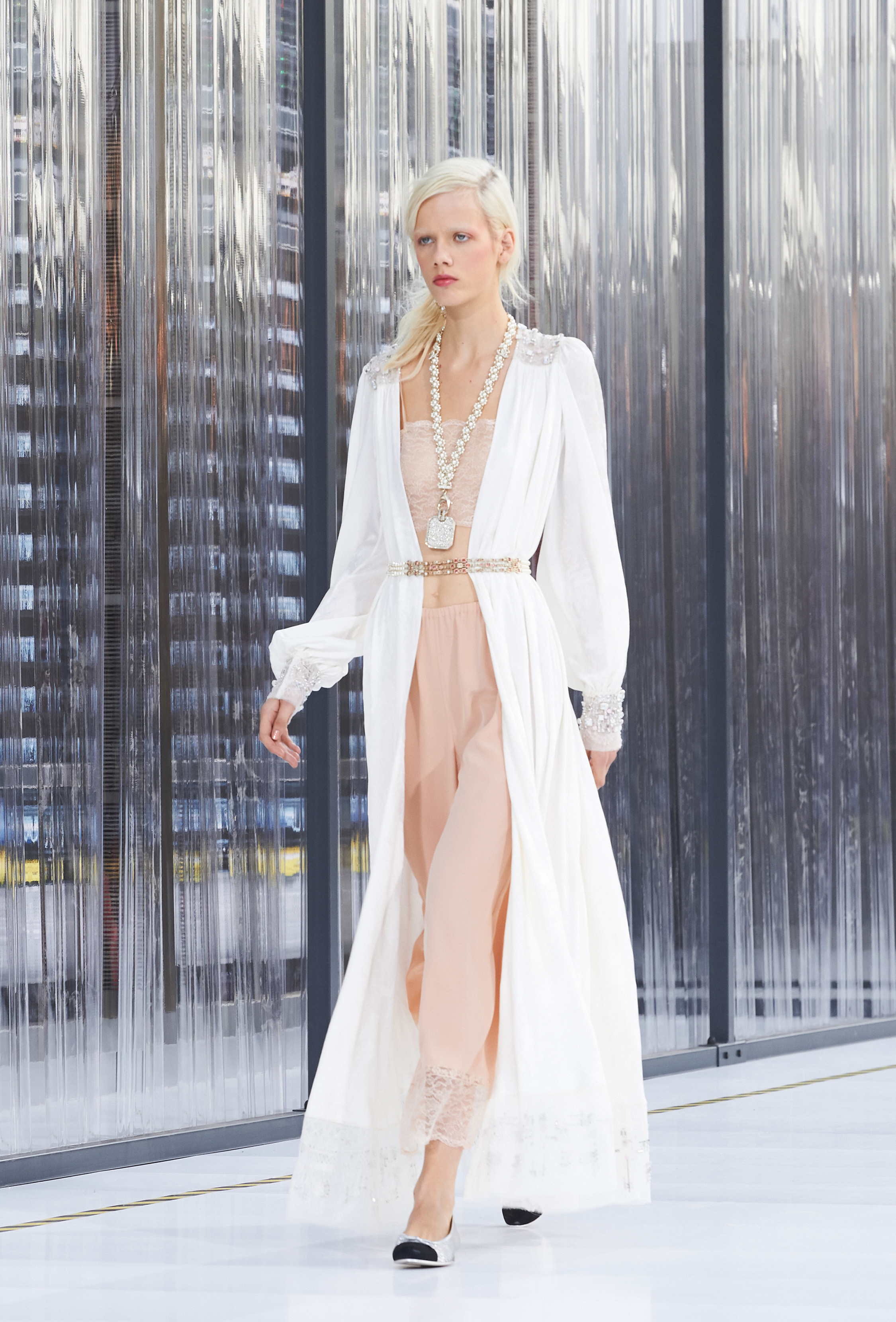 Intimate-Modernity-Chanel-spring-summer-collection-style-2017