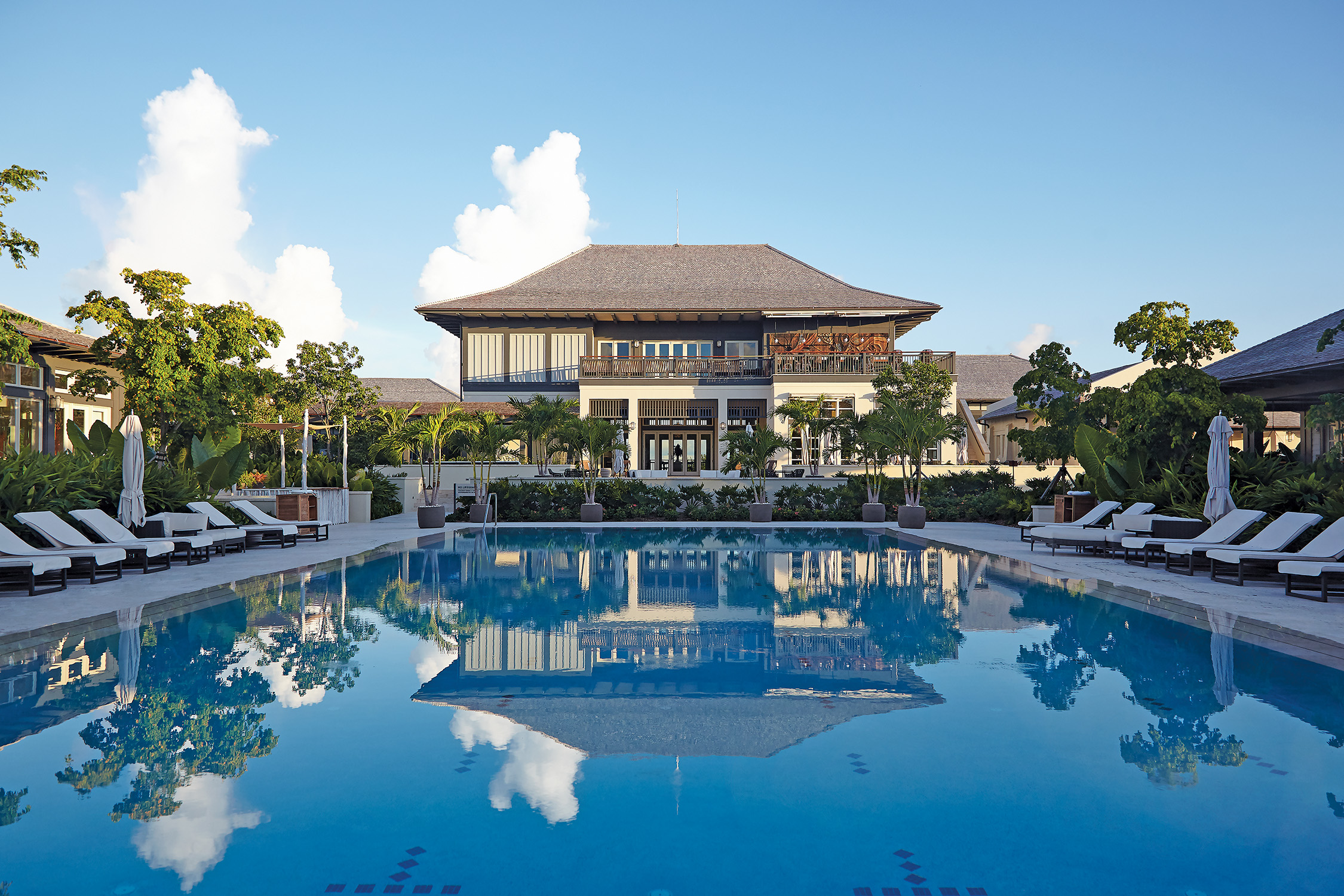 Island-House-Bahamas-Nassau-Island-Tropical-Resort-Hotel-Caroline-Portillo-Mark-Holowesko-Pool-Fort-Lauderdale-Venice-Magazine