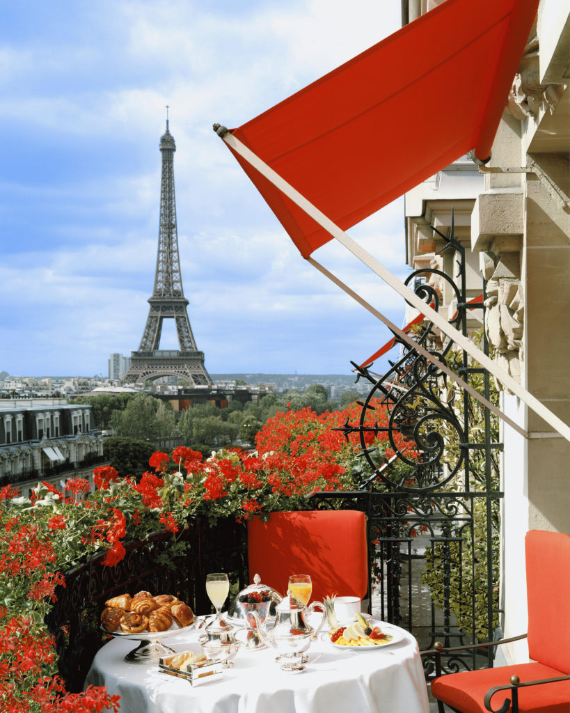 Paris-When-It-Sizzles-Venice-Elyssa-Goodman-Fashion-Food-Caviar-Four-Seasons