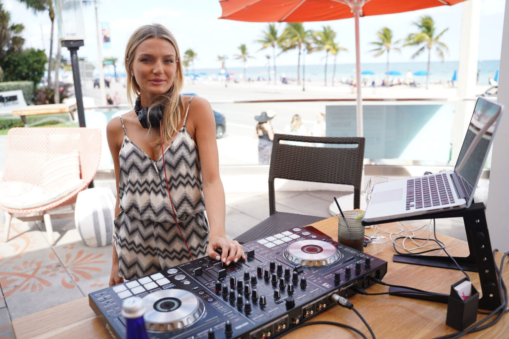 Anna-de-ferran-dj-lona-venice-fort-lauderdale-cover-party-beach