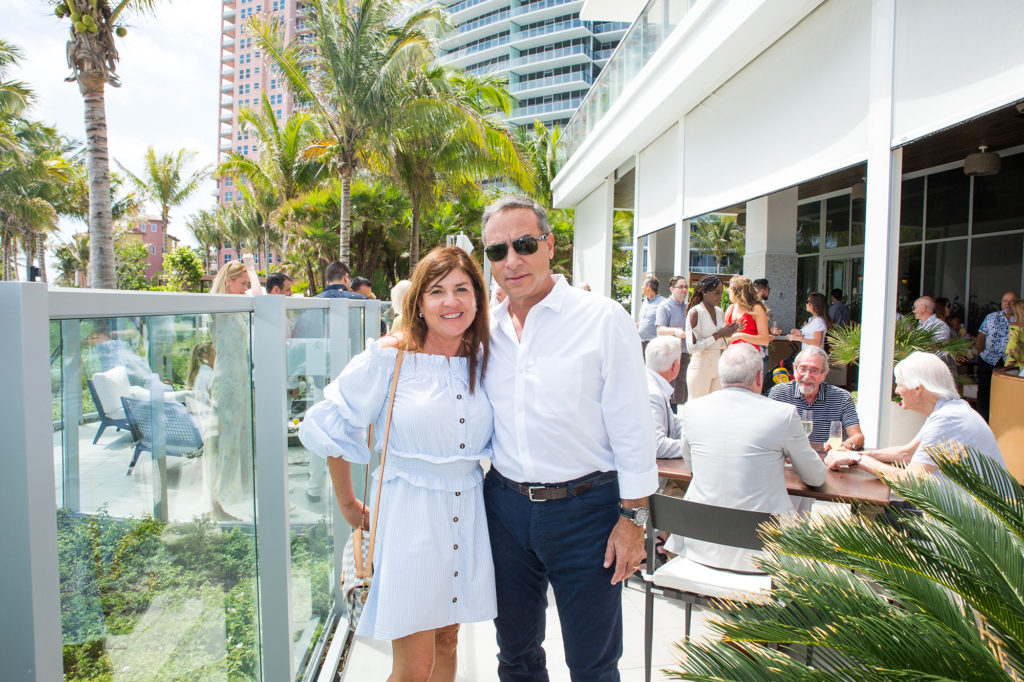 Couple-venice-magazine-dune-aubuerge-brunch-fort-lauderdale-tamz