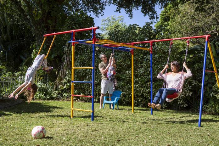 Ben-Sorensen-anna-commissioner-fort-lauderdale-venice-magazine-nila-do-simon-jason-nuttle-kids-backyard